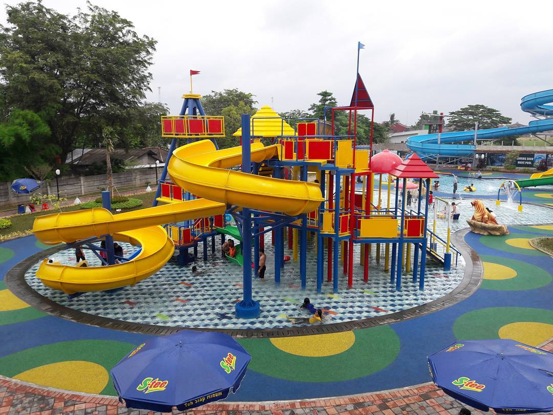 Green Lake View Waterpark Permainan